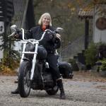 Esther Jensen – Enke på Harley